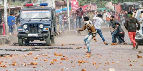 Kashmir-like stone pelting in UP